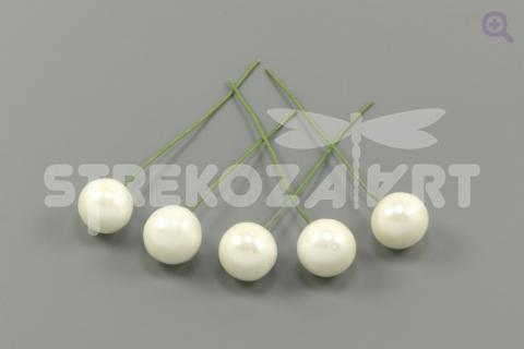 Ягода на проволоке 11мм, цвет: белый перламутр, 5шт